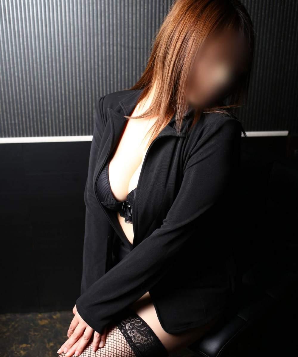 エッチなOL♥️エリ嬢♥️60分12000円ソフトマット、拘束プレイ可☆
